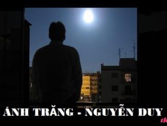 Cảm nghĩa về vầng trăng trong quá khứ qua bài thơ Ánh trăng của Nguyễn Duy