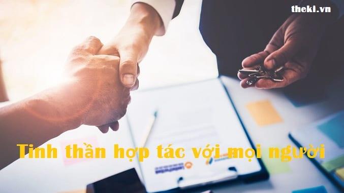 tinh-than-hop-tac-voi-moi-nguoi