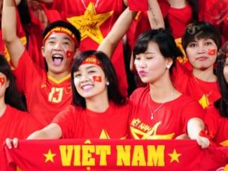 viet-doan-van-nghi-luan-200-chu-suy-nghi-ve-tinh-yeu-to-quoc